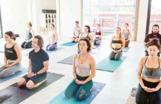 D yoga danny Phoenix Marie,